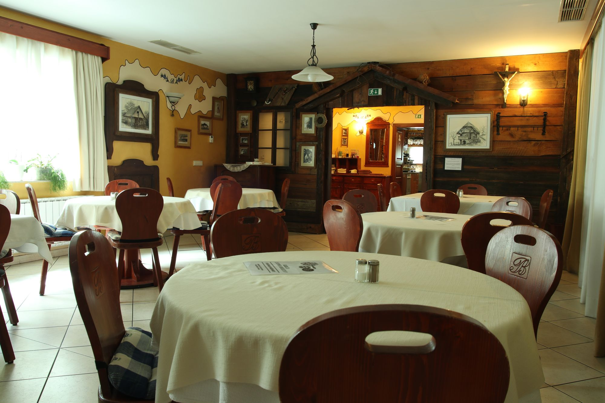 restaurant-08