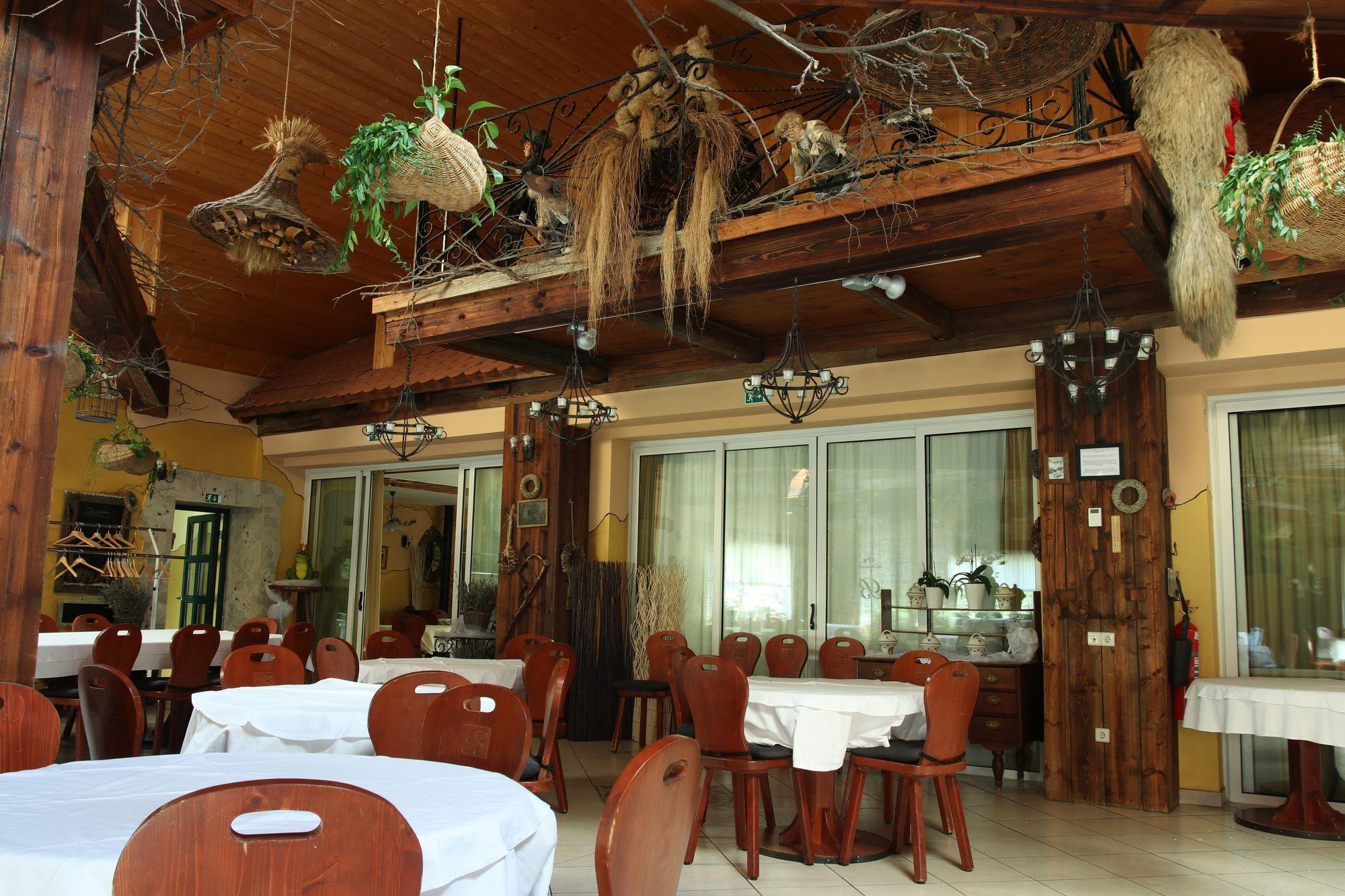 restaurant-05