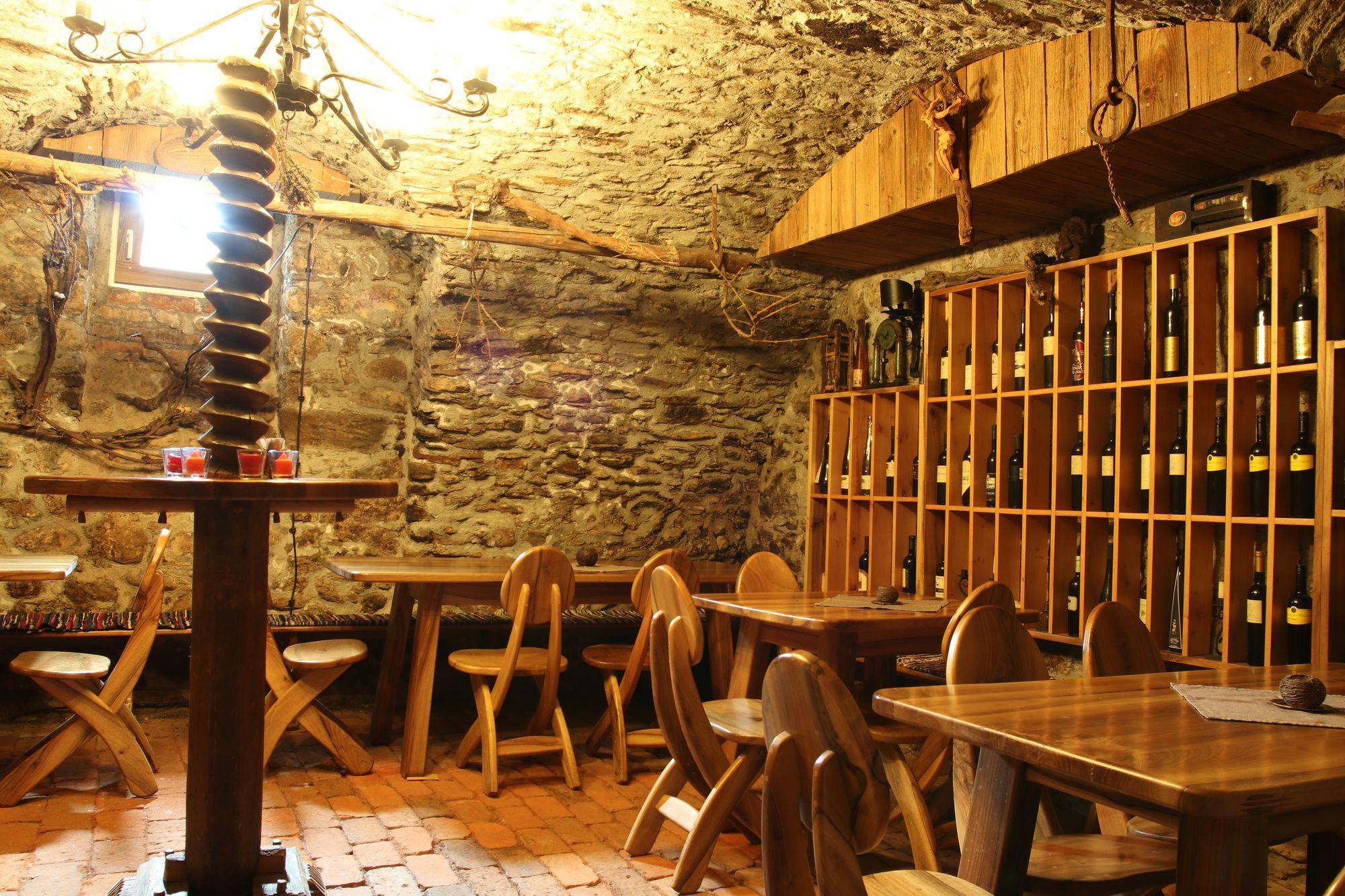 wine-cellar-02