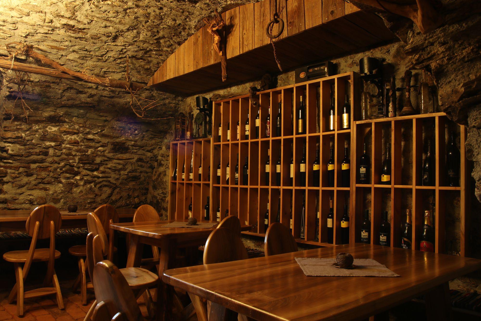 wine-cellar-05
